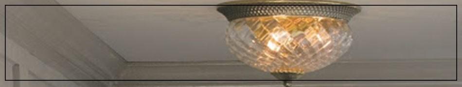 Plafony klasyczne, piękne lampy sufitowe w klasycznym, antycznym stylu